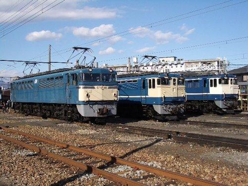 EF65 3台並び