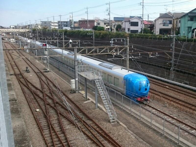 西武新型特急   新秋津に到着!