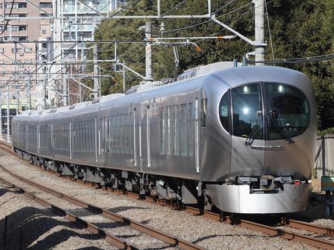 西武 新型特急001系「Laview」 新宿線でも試運転: TOMOの ...